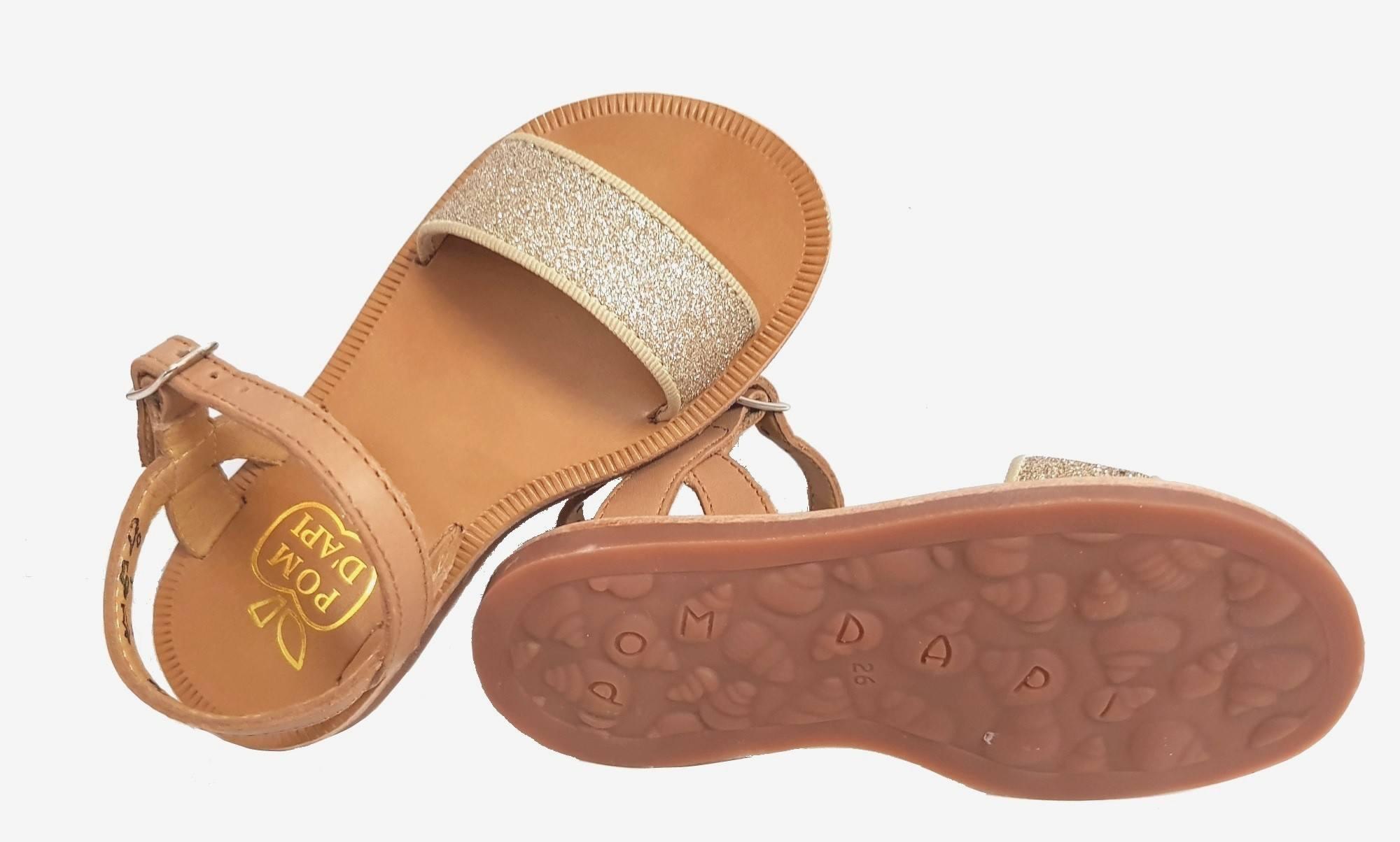 Plagette Buckle Tao, nu-pied Pom d'Api en cuir camel avec une large sangle glitter or et 1 bride à velcro