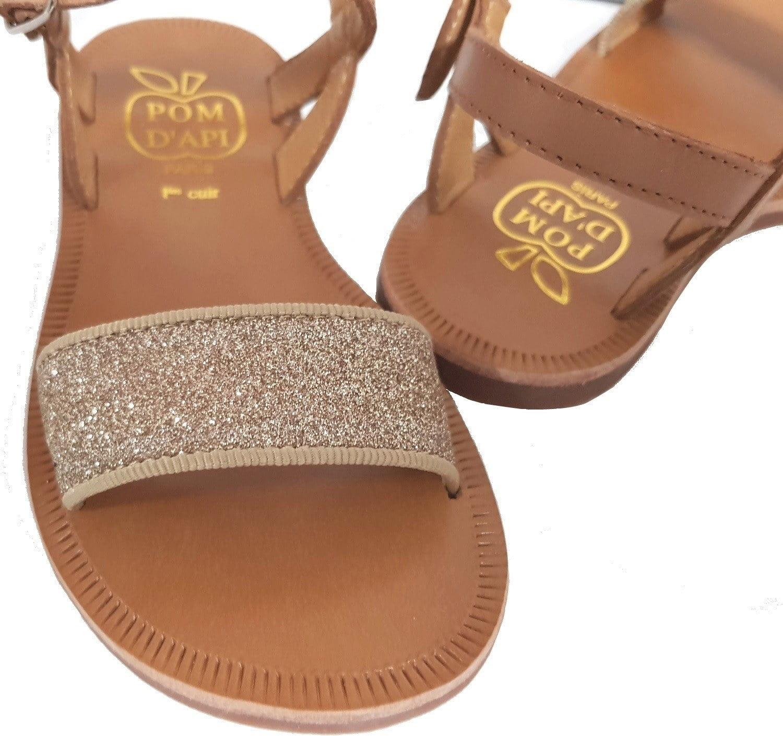 Sandale Pom d'Api en cuir camel et sa large bande glitter or, Plagette Buckle Tao à boucle