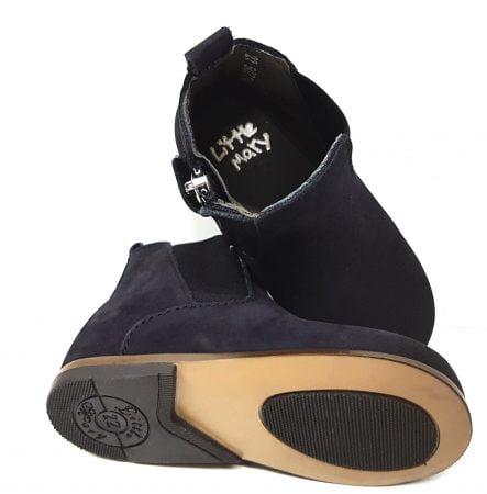un cuir velours noir pour cette bottine mixte dotée d'un élastique sur la tige et d'1 zip latéral, modèle Little mary