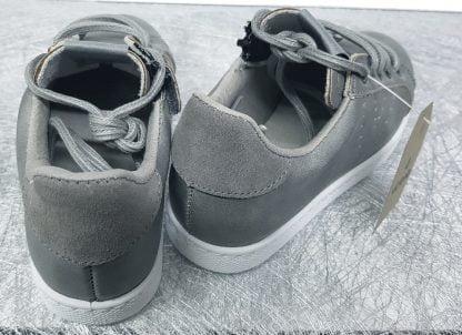 basket victoria pour enfants et juniors en cuir gris fermée par 1 lacet et 1 zip