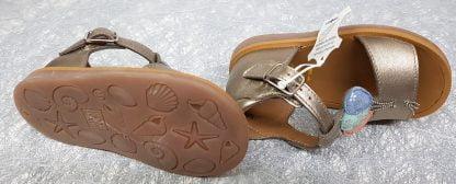 nu-pied enfant Pom d'Api, Poppy Balloon avec contrefort et fermé par 1 bride à boucle, cette sandale pour fille est dotée de 3 ballons sur sa lanière avant