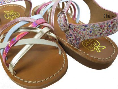 sandale à boucle en cuir avec brides entrelacées, yapo lux milk by pom d'api