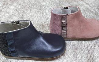 bottine pour premiers pas en cuir marine ou rose, modèle fermé par 1 zip