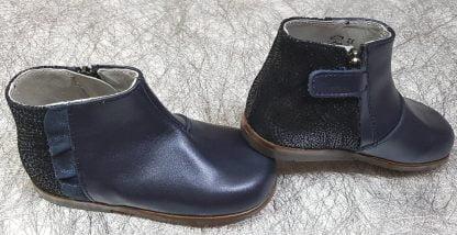 bottine pour premiers pas en cuir marine lisse et effet python, modèle Fanchon de Little Mary fermé par 1 zip