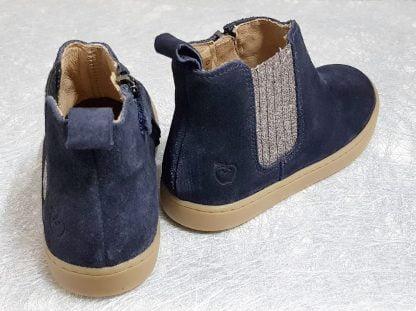 bottine en cuir velours marine dotée d'un élastique pailleté, chaussure enfant fermé par 1 zip, modèle Play Shine signé Shoo Pom