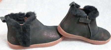 Play yeti, une ravissante bottine pour enfants en cuir nubuck noir pailleté or, modèle fille de Shoo Pom fermé par 1 zip