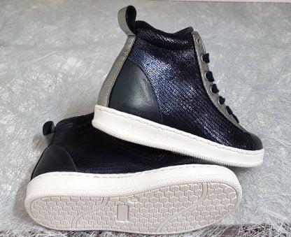 un cuir lisse et métal pour la basket fille Bis de Nörvik à lacets et 1 zip