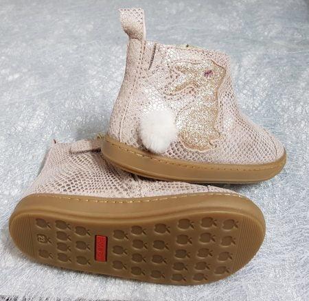 Bouba Pimpin, une bottine enfant Shoo Pom en cuir imprimé effet animal joliment décoré d'un lapin pailleté or et d'un joli pompon fourrure, modèle fermé par 1 zip