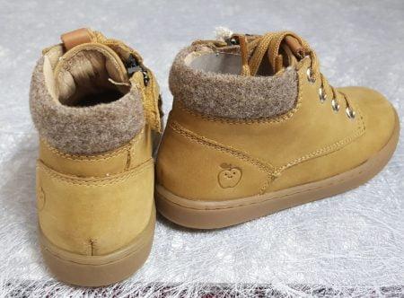 un cuir huilé cuir pin doté d'un col lainé et fermé par 1 lacet et 1 zip, chaussure pour garçon Shoo Pom