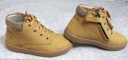 chaussure enfant semi-montante en cuir nubuck pin doté d'un col lainé shiné, modèle Play Desert Fur de Shoo Pom fermé par 1 lacet et 1 zip