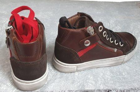 RZA, une chaussure haute à lacets et 1 zip, modèle en cuir et velours marron