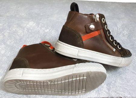 basket semi montante RZA en cuir huilé et velours marron, modèle Nörvick à lacets et 1 zip