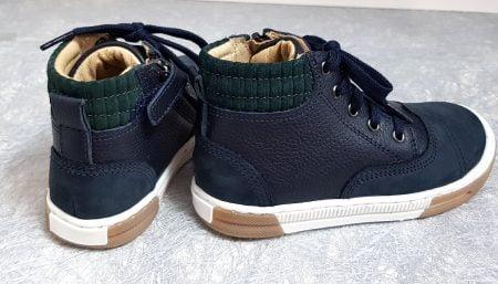John Air Line, une chaussure enfant pour garçon en cuir grainé et nubuck marine de Shoo Pom, modèle fermé par 1 lacet et 1 zip