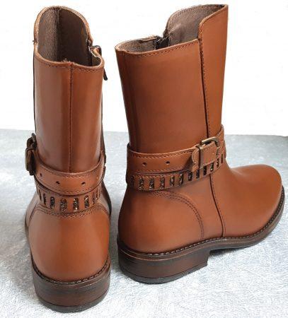 chaussure enfant modèle mi-botte en cuir cognac doté de 2 jolies brides dont 1 strassée, Shana de Bellamy fermée par 1 zip