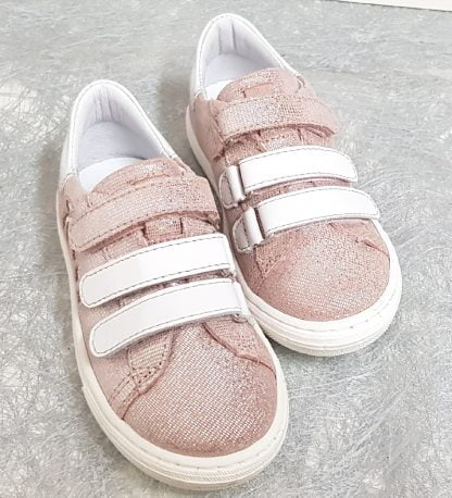 basket cuir glitter or doté d'un col matelassé blanc et 2 velcros cuir blanc et 1 métallisé rose, chaussure file joliment décoré d'un palmier prédécoupé