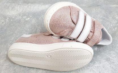 chaussure enfant, basket fille Melany fermé par 3 velcros, modèle Bellamy en cuir métal rose et décoré d'un palmier blanc