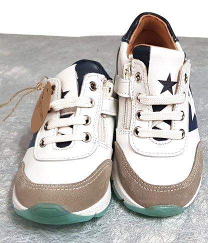 un cuir lisse blanc et marine pour la basket enfant Vitus de Bisgaard à lacets et 1 zip