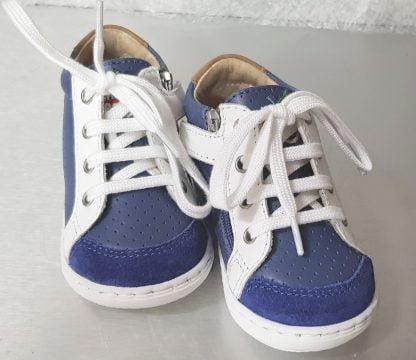 Shoo Pom, Bouba zip Box en cuir perforé denim et blanc pour les premiers pas à lacets et 1 zip
