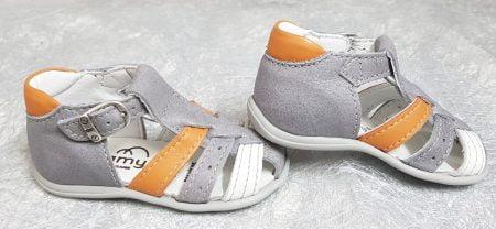 Ub cuir gris clair et 1 lanière cuir blanc et orange pour le nu-pied premiers pas Dave de Bellamy fermé par 1 bride à boucle