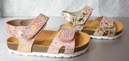 Nu-pied cuir saumon ou beige à semelle anatomique fermé par 2 velcros, chaussure enfant Malibu de Bellamy