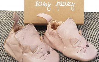 un cuir rose pour le chausson pré-marche doté d'une tête de chat et d'une semelle antidérapante, modèle Blublu Chat Easy Peasy