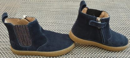 chaussure enfant, style bottine en cuir velours marine agrémentée d'un élastique glitter étain et fermé par 1 zip, modèle Play Shine de Shoo Pom