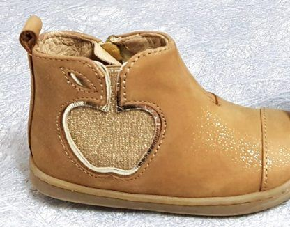 bottine pour enfant Bouba New Apple en cuir velours camel irisé, modèle Shoo Pom fermé par 1 zip