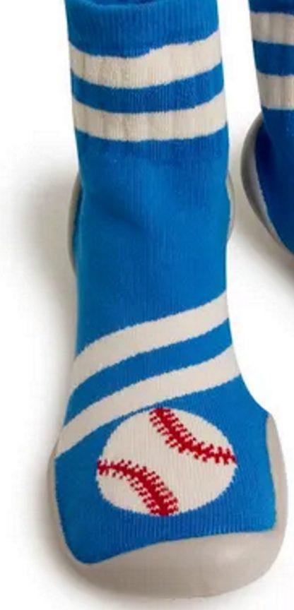 chausson en laine bleue et crème doté d'une semelle en caoutchouc. Modèle Base Ball de Collégien qui s'enfile comme une chaussette