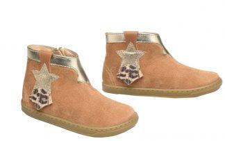 ravissante bottine en cuir velours camel, surpiqûres platine, étoile glitter platine, franges cuir velours léopard et haut de la tige en cuir métal platine. Chaussure pour premiers pas Shoo Pom à zip