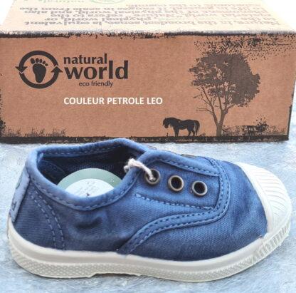 470E de Natural Word, une chaussure toile pour enfant bleu pétrole. modèle doté d'un élastique sur le coup de pied