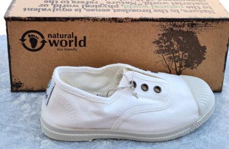 une toile blanche et semelle caoutchouc blanc cassé pour le modèle enfant 470E de Natural Word
