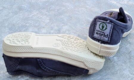 une couleur marine pour la chaussure toile enfant, modèle 470E de Natural Word