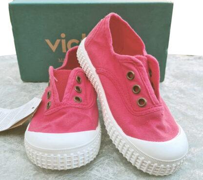 chaussiure en toile dalia pour enfant de Victoria. modèle Inglese avec élastique sur le pied