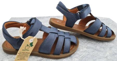 une belle couleur jeans pour le nu-pied enfant Solar Tonton à bout protégé, modèle Shoo Pom fermé par 1 velcro
