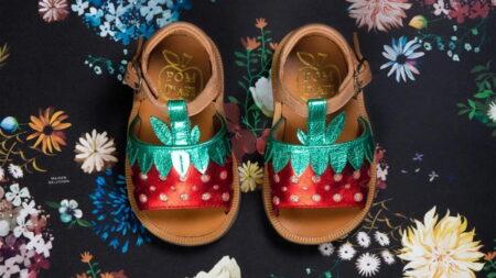 photo de la sandale pour bébé fille Poppy berry fraise de Pom d'Api