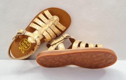 de multiples lanières cuir métallisé imprimé doré pour la Plagette Strap Painter, un nu-pied fillette à bride à boucle de Pom d'Api